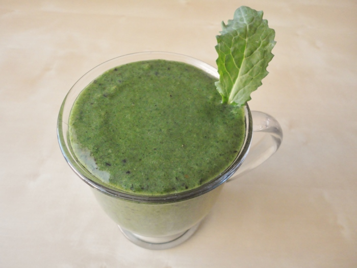 This is my Simple Saturday Pre-Workout Green Smoothie.